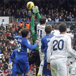 """Carvalho """"no sabe"""" si hay falta en el 1-0 y para Moyá """"es clara"""""""