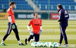 El Madrid prepara ya el clásico con Diego López en el grupo