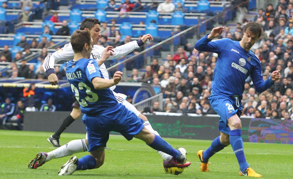 Cristiano acabó con dolor, pero estará contra el Barcelona