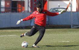Palop no entra en la lista: Julián Cuesta debutará en Primera