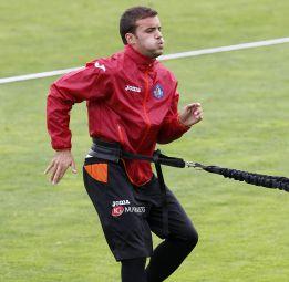 El Getafe recupera a Pedro León y Abdel Barrada para el sábado