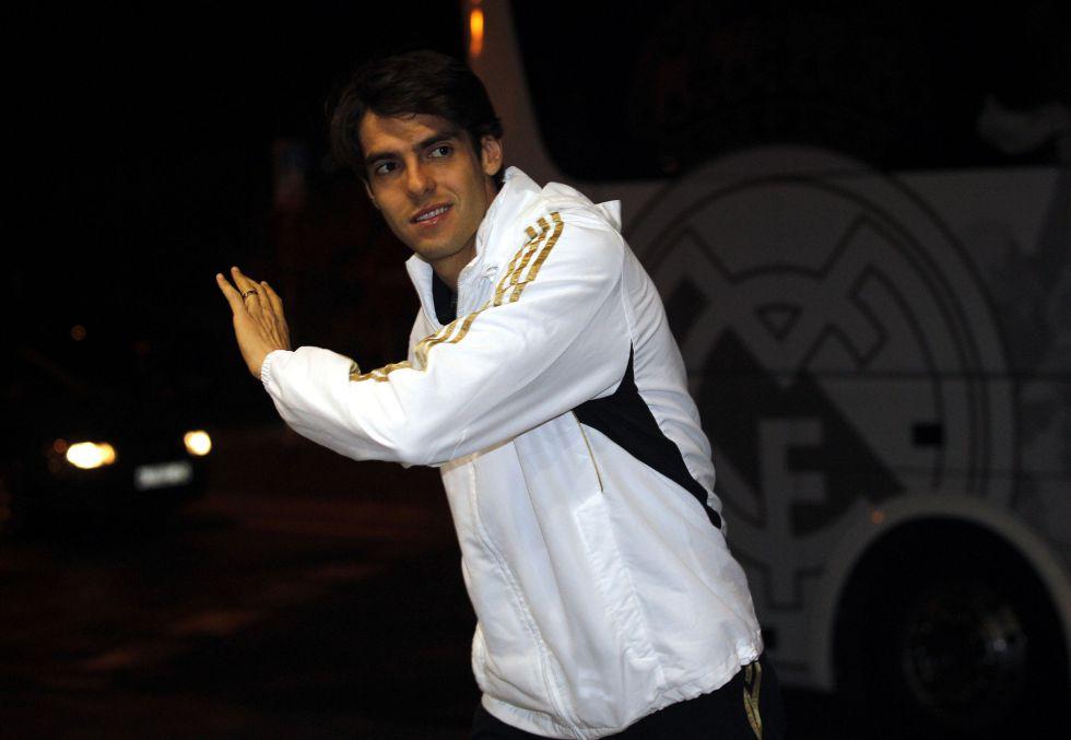 La venta de Kaká se aleja: Mou le cita para jugar ante el Barça