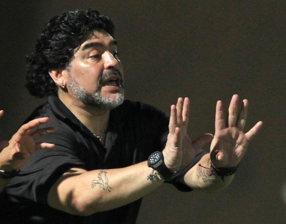 Maradona dice que gana su batalla al fisco y este lo niega