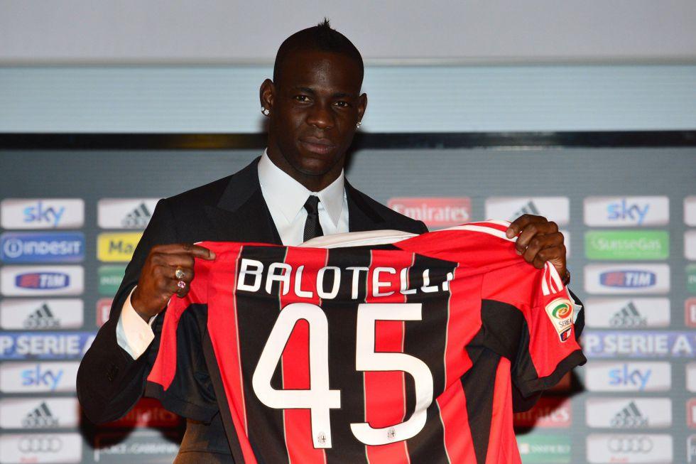 Balotelli: 'Lo mejor de Inglaterra, entrenar y jugar. Lo peor, el resto'