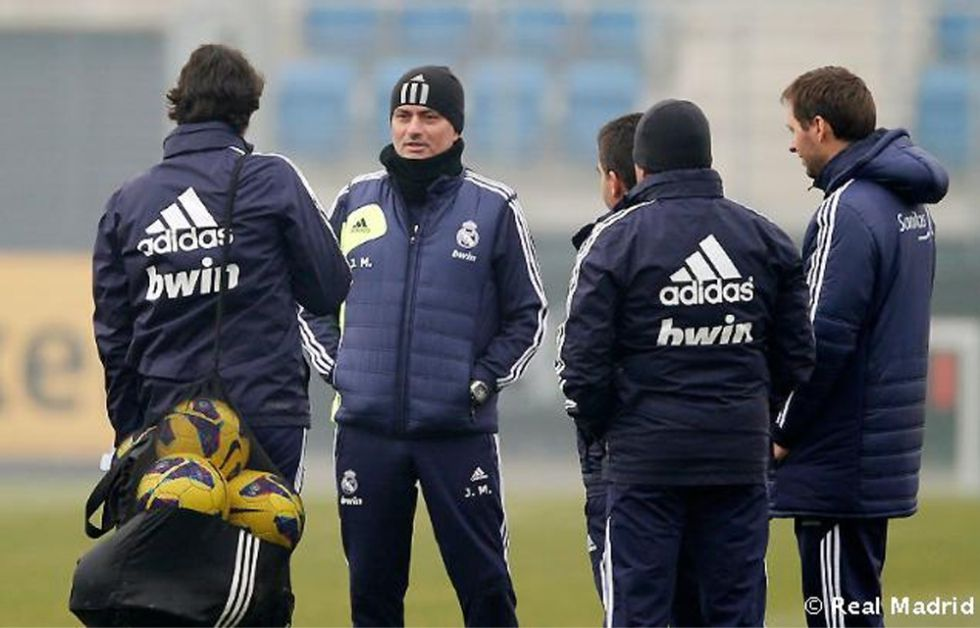 Özil, sancionado, y Cristiano se quedaron en el gimnasio