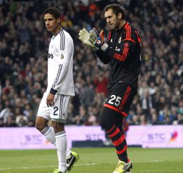 La zaga que baraja Mourinho: Varane con Sergio Ramos de '2'