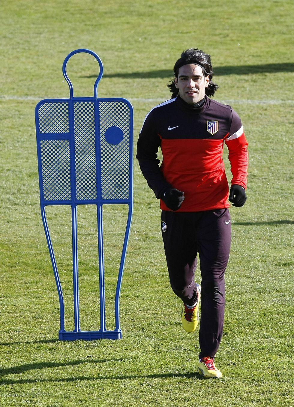 El Atlético se entrena con Falcao pero sin Courtois