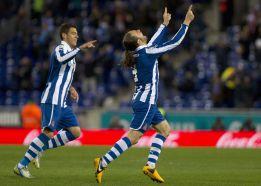 Sergio García lidera la huida hacia la calma del Espanyol
