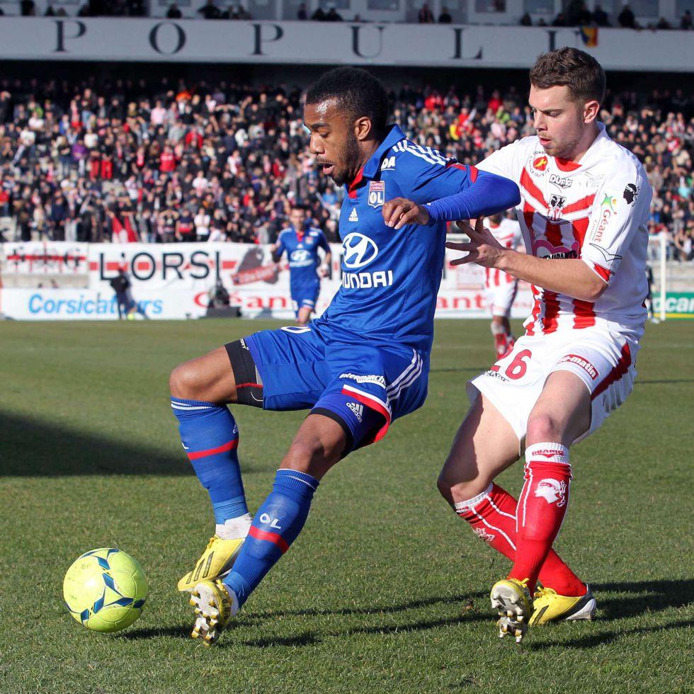 El Lyon pierde y se descuelga del Paris Saint Germain