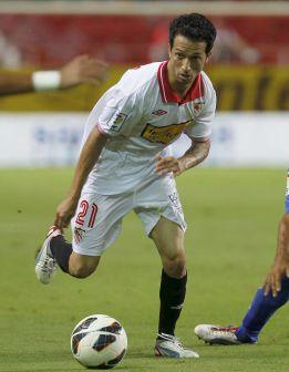 Cicinho será baja ante el Madrid por un esguince de rodilla