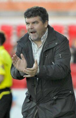 Onésimo se convierte en nuevo entrenador del Murcia