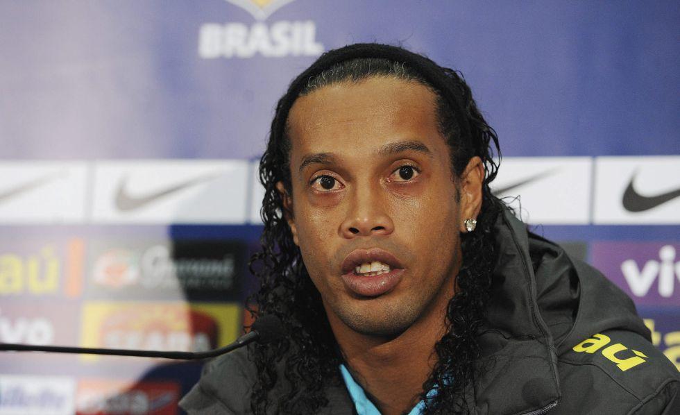 """Ronaldinho: """"Todavía conservo mi estilo, juego igual que antes"""""""
