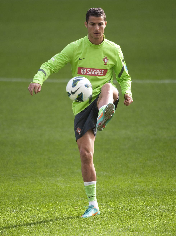 """Ronaldo y los gritos de """"Messi"""": 'Me acostumbro a lidiar con ello'"""