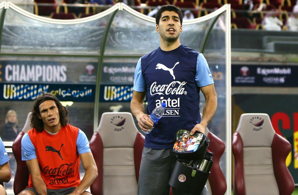 Uruguay jugará con Luis Suárez y Cavani; Forlán será suplente