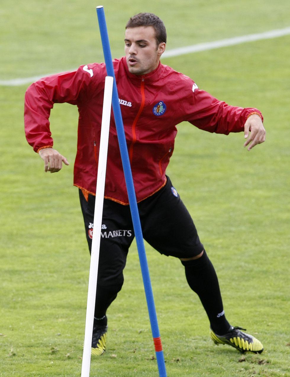 Pedro León está listo para jugar contra el Barça en el Camp Nou