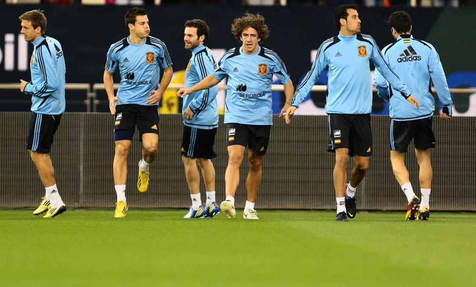 Puyol se pone a 100 con España en un juego de tronos en Catar