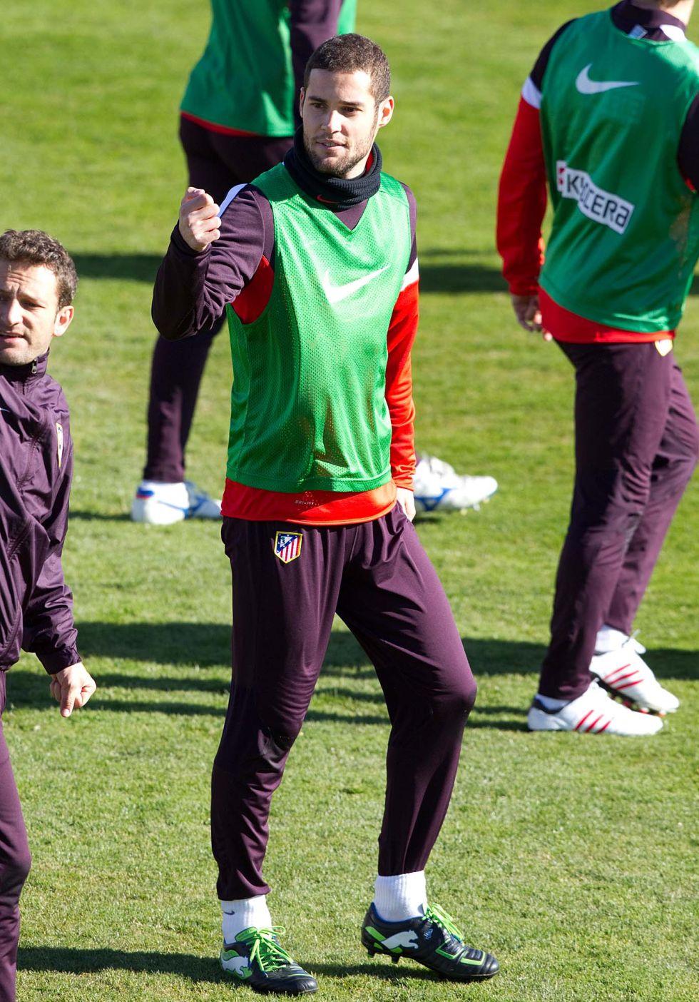 Mario, Miranda y Filipe Luis ya se han entrenado con el grupo