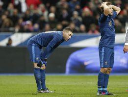 Francia da la espalda a Benzema tras la derrota contra Alemania