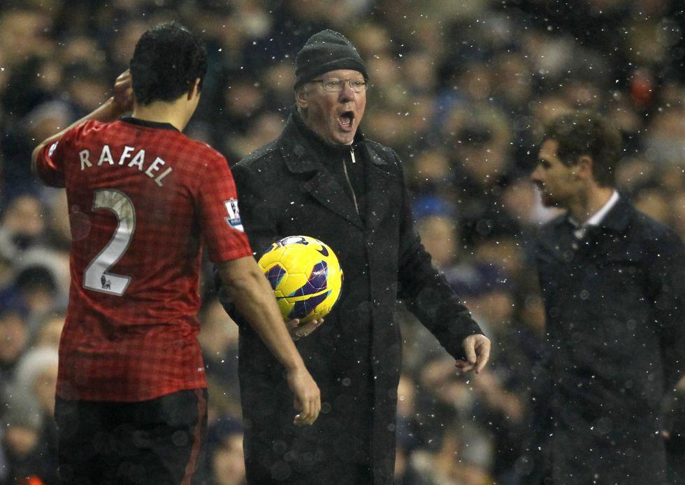 Multa de 13.800 euros para Alex Ferguson por criticar a un linier
