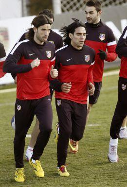 Falcao, Manquillo y Oliver, en el entrenamiento del Atlético
