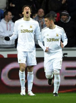 Michu, Rangel y Pablo marcan en la goleada del Swansea