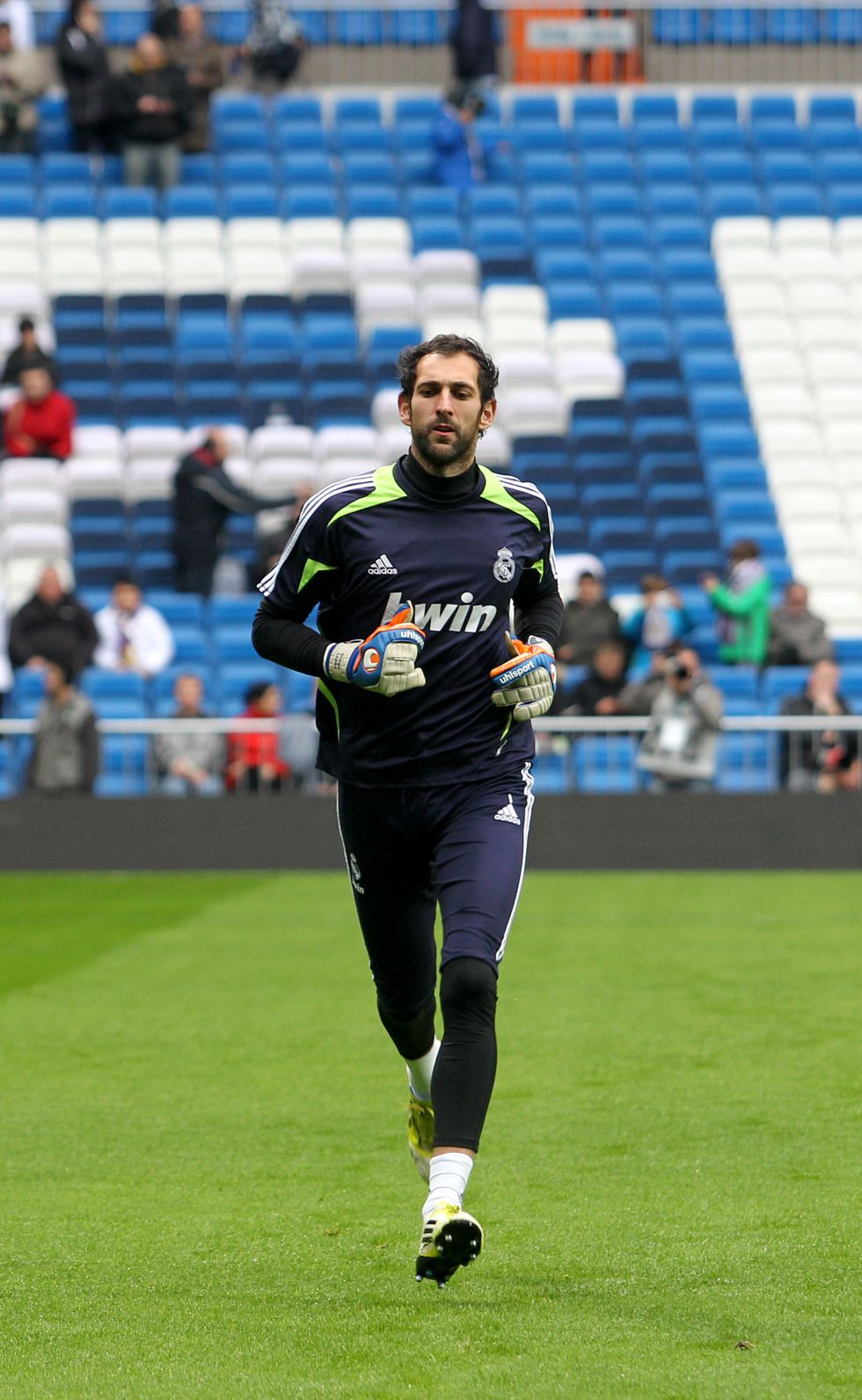 Diego López: de ser suplente en el Sevilla a titular en el Madrid