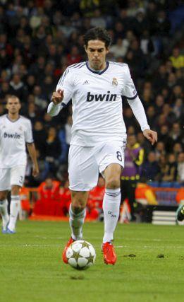 Kaká, titular ante el Sevilla