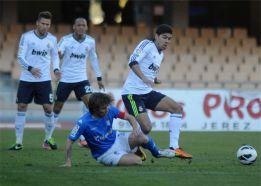 El gol de oro de Lucas al final aleja al Castilla del descenso