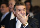 Condenan a tres años de cárcel al dueño del Steaua de Bucarest