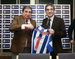 """Fernando Vázquez: """"Tenemos que ganar ocho partidos"""""""