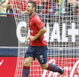 El Athletic valora fichar al osasunista Kike Sola en verano