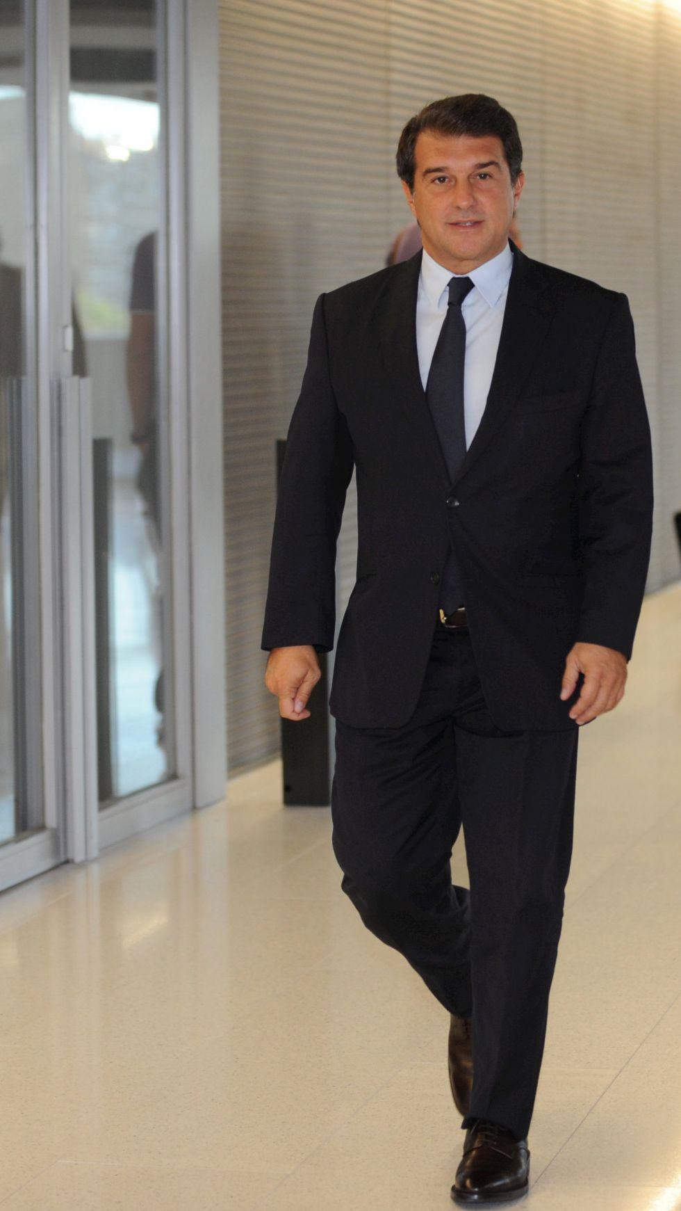 """Laporta acusa a Rosell de estar """"escondido"""" detrás de Vicenç Pla"""