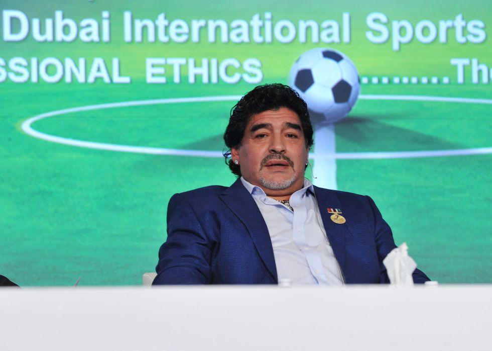 Maradona: 'Messi es excepcional; inventa cada día una cosa nueva'