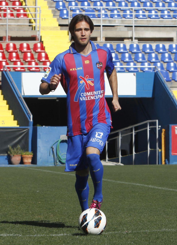 JIM convoca a 20 jugadores y debutan Martins y Acquafresca