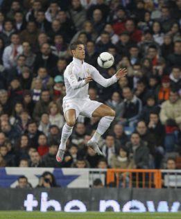 Cristiano Ronaldo se eleva más que la media de la NBA