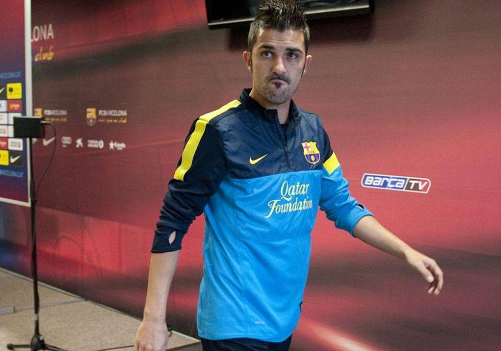 Villa pacta con Roura no viajar a Milán; Xavi vuelve al equipo