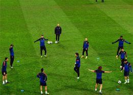El césped donde se jugará el Milán-Barcelona es un patatal