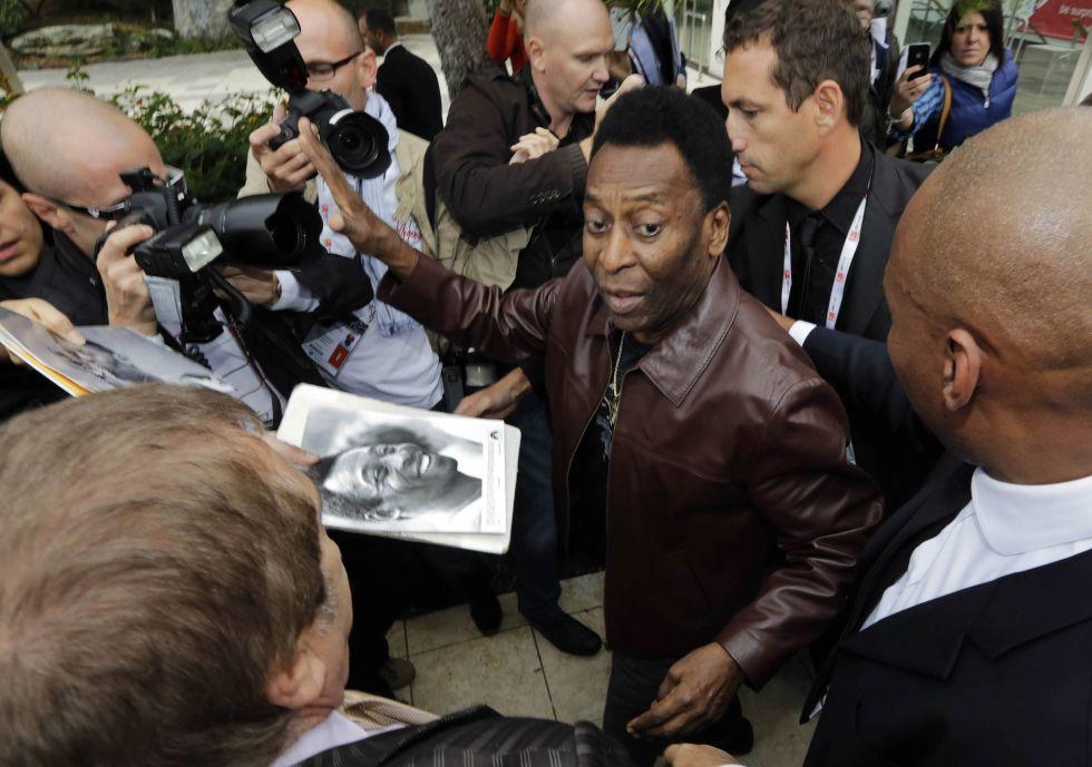 """Pelé: """"Neymar se preocupa más por aparecer en los medios"""""""