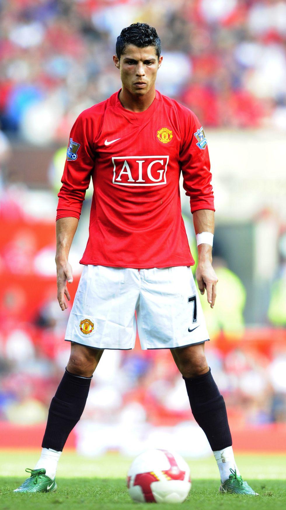 Cristiano Ronaldo renovó cinco veces en seis años con el United
