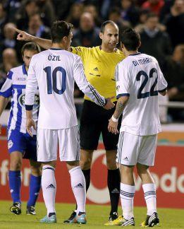 Di María fue expulsado y no jugará el Clásico del sábado