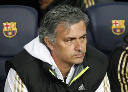 """Mou: """"El Barça dio lecciones de simular, de no rodear al árbitro..."""""""