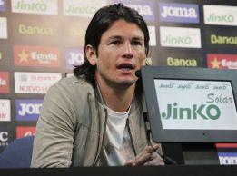 Valdez, satisfecho por seguir en el Valencia hasta junio de 2015