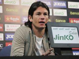 """Valdez, """"contento"""" por seguir en el Valencia hasta junio de 2015"""