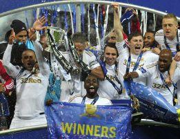 Swansea se echa a la calle para celebrar la Copa de la Liga