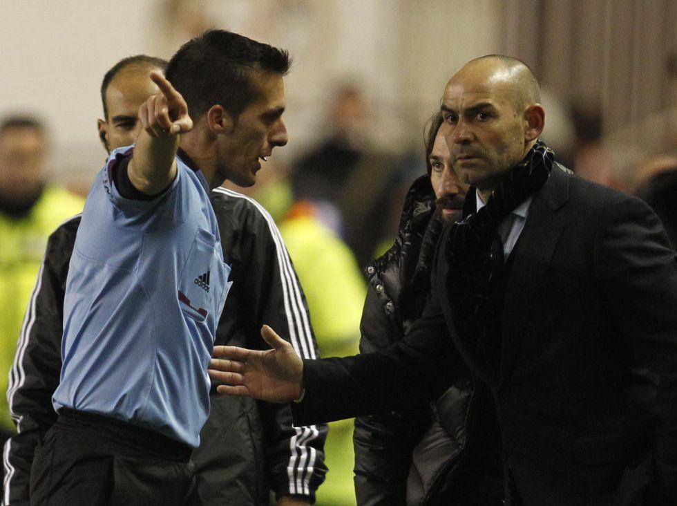 Los entrenadores piden árnica a Villar con los colegiados