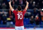 Totti, segundo máximo goleador de la historia de Italia