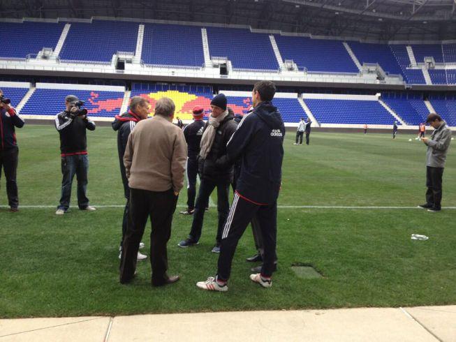 Tito se deja ver en la sesión de entrenamiento del Red Bull