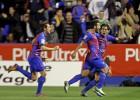 Rubén enseña el camino del gol a un Negredo sin puntería