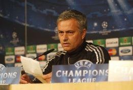 Mourinho se enfrenta a un periodista por creerle 'casillista'