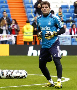 AS: Arsenal & Liverpool preparing offers for Iker Casillas